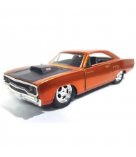 Réplica Coche Fast & Furious Dom's Plymouth Road Runner, 1:32